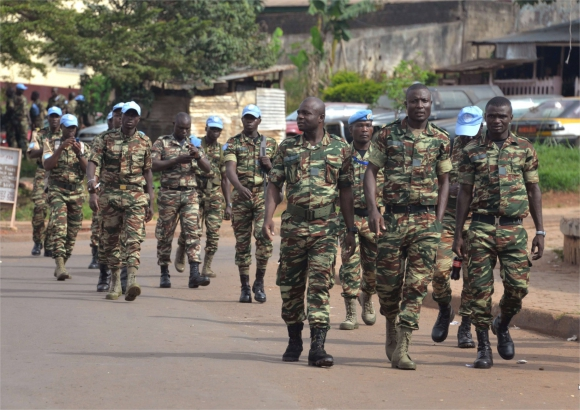 Forces Armées Camerounaises - Page 3 2139