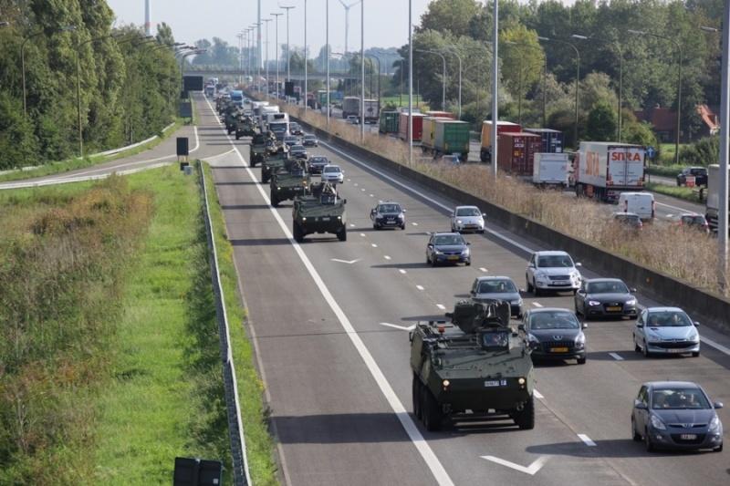 Armée Belge / Defensie van België / Belgian Army  - Page 37 2191