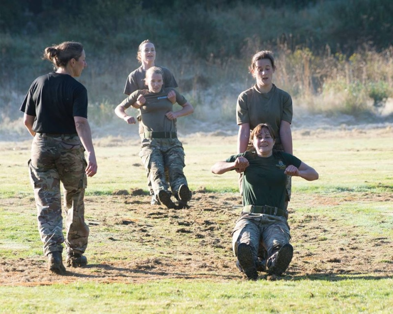 soldates du monde en photos - Page 7 2194