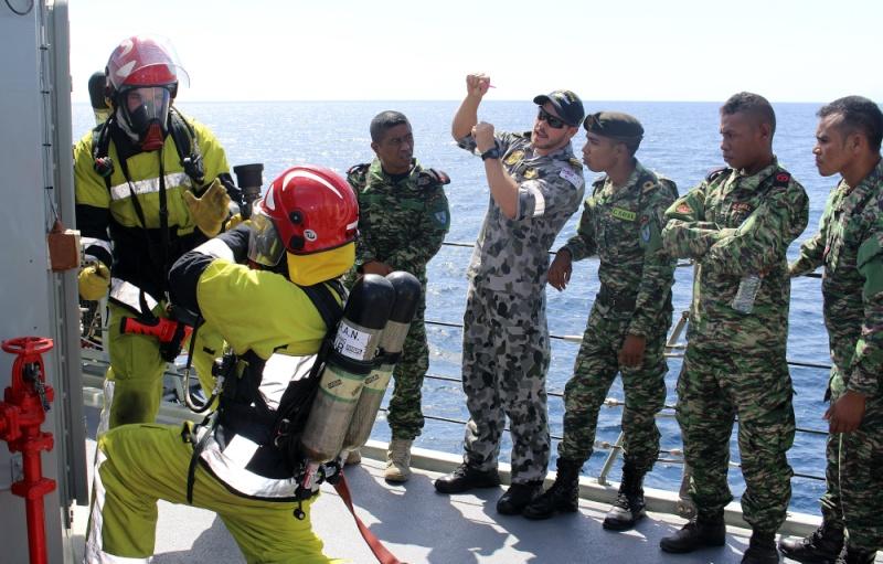 Force de défense du Timor oriental /  The East Timor defence force  322