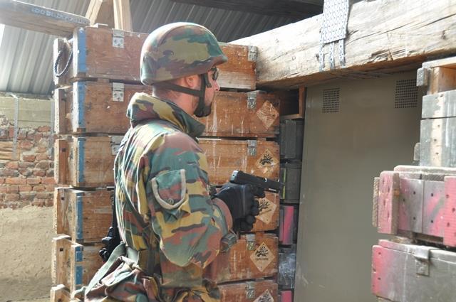 Armée Belge / Defensie van België / Belgian Army  - Page 37 4234