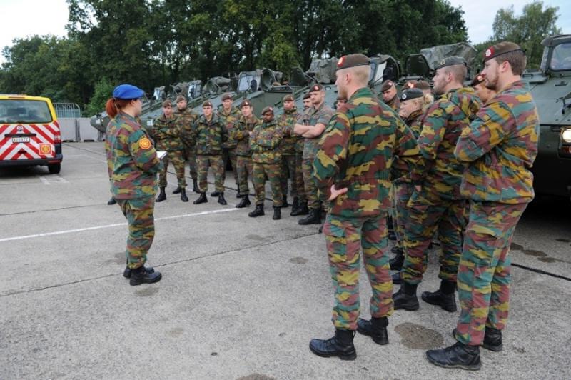 Armée Belge / Defensie van België / Belgian Army  - Page 37 5143