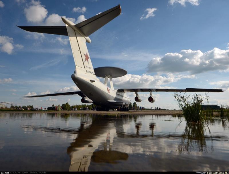 Photos d'avions militaires - Page 27 5177