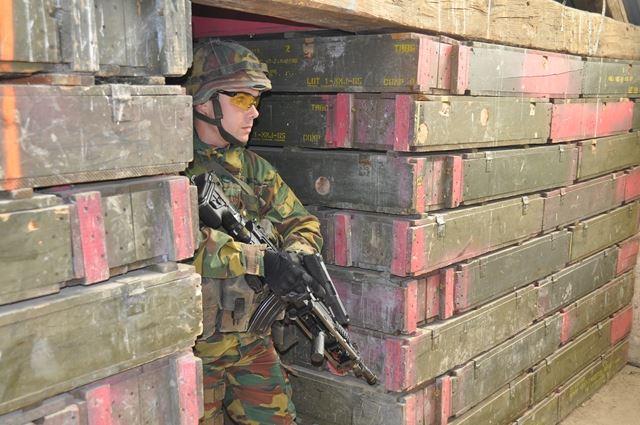 Armée Belge / Defensie van België / Belgian Army  - Page 37 5193