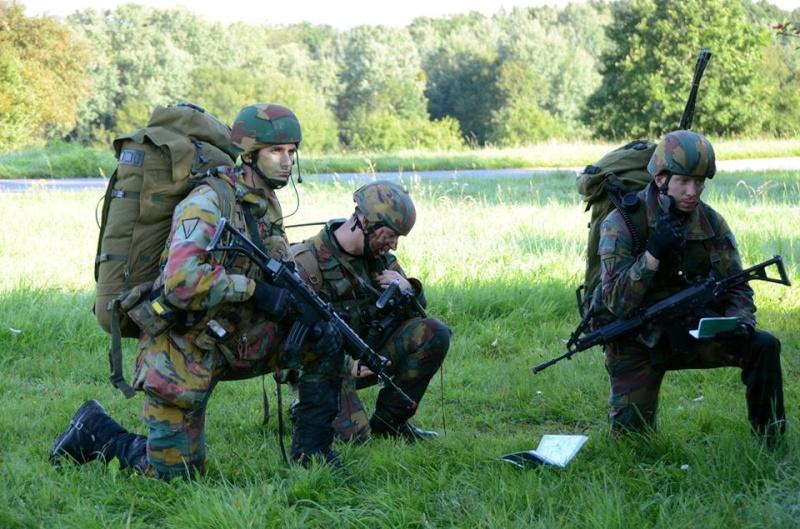 Armée Belge / Defensie van België / Belgian Army  - Page 37 551