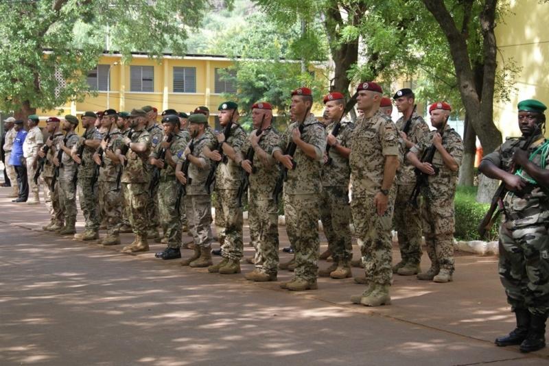Intervention militaire au Mali - Opération Serval - Page 6 6157
