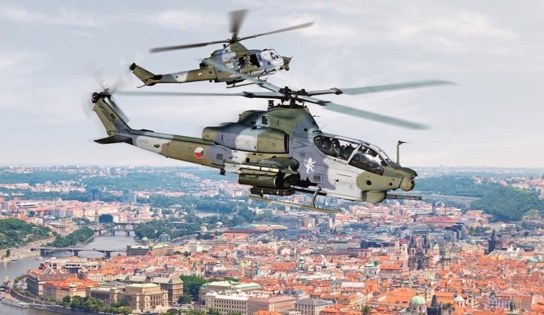 Hélicoptères de combats - Page 7 6159