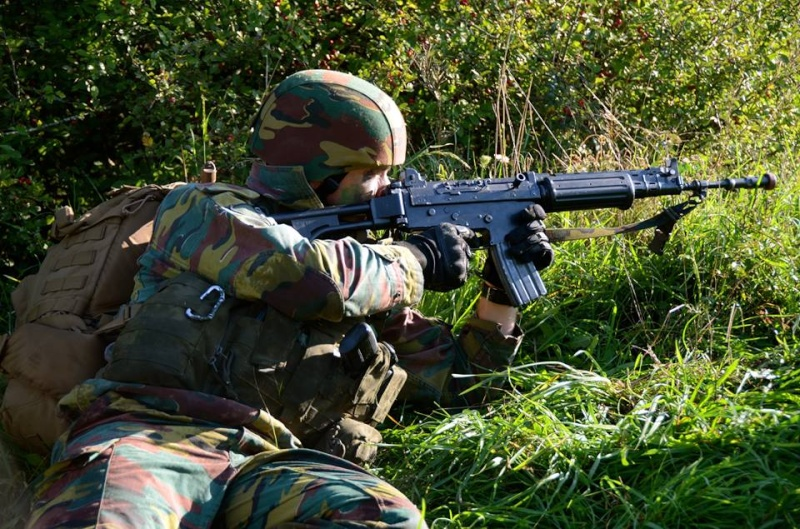 Armée Belge / Defensie van België / Belgian Army  - Page 37 645