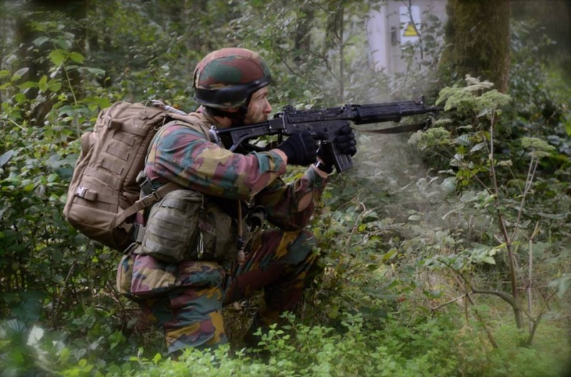 Armée Belge / Defensie van België / Belgian Army  - Page 37 648