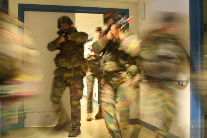Armée Belge / Defensie van België / Belgian Army  - Page 37 670