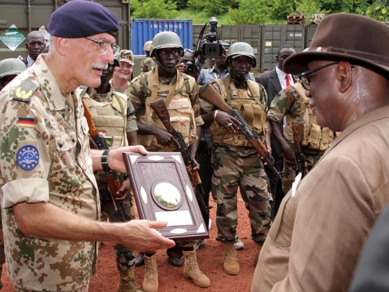 Intervention militaire au Mali - Opération Serval - Page 6 7119
