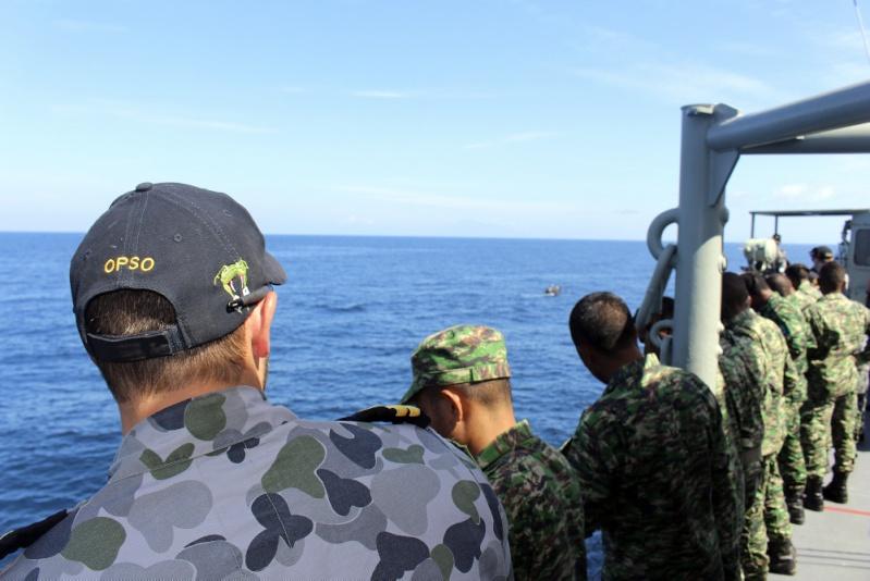 Force de défense du Timor oriental /  The East Timor defence force  715