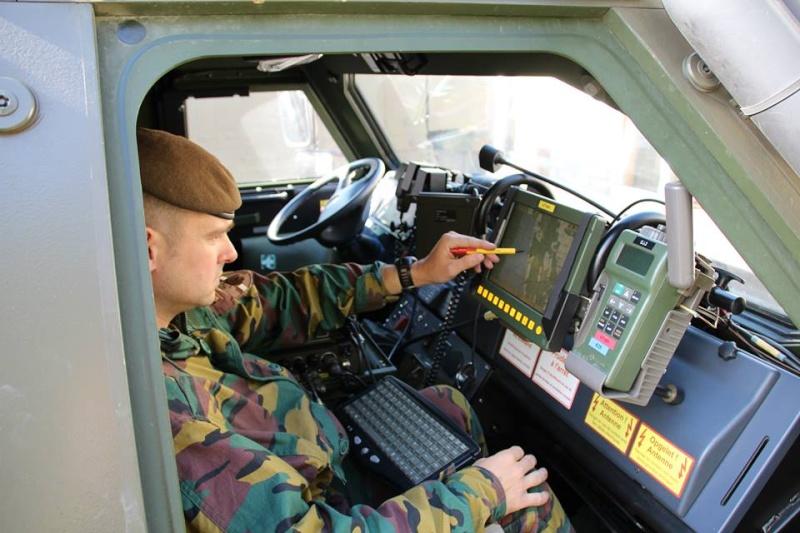 Armée Belge / Defensie van België / Belgian Army  - Page 38 7154