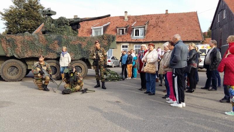 Armée Belge / Defensie van België / Belgian Army  - Page 38 7155