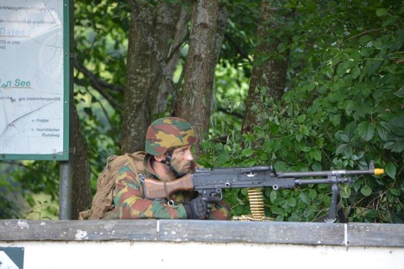 Armée Belge / Defensie van België / Belgian Army  - Page 37 736