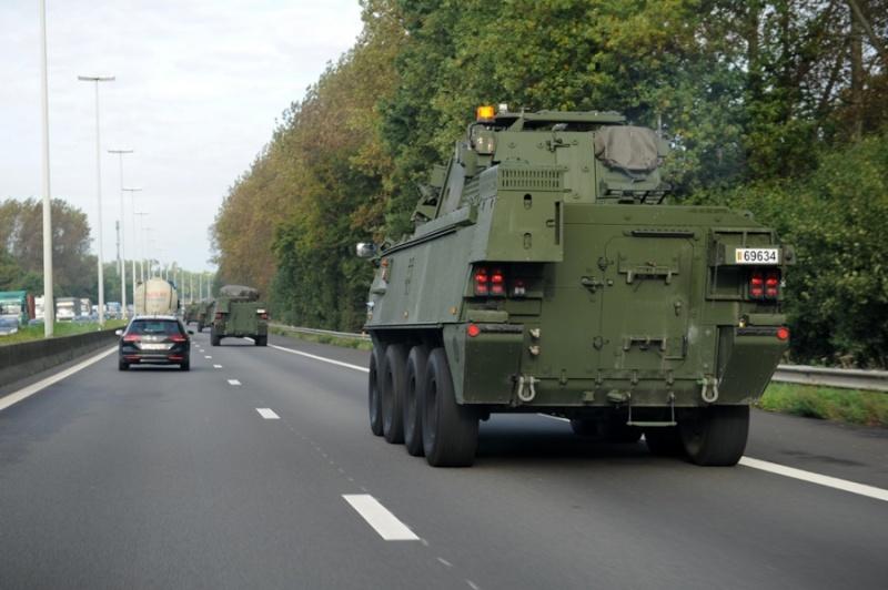 Armée Belge / Defensie van België / Belgian Army  - Page 37 785