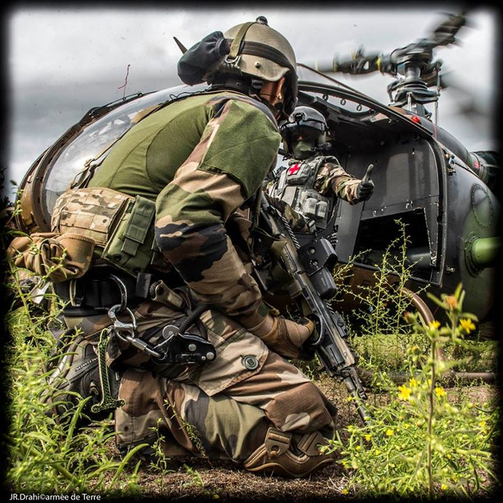 Commandos / Special Forces - Page 5 8201