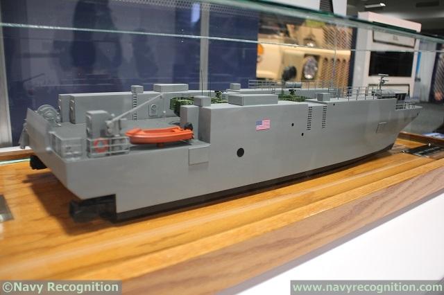 Barge de débarquement 8220