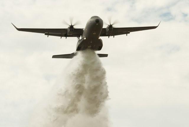Avions de transport tactique/lourd - Page 5 8379