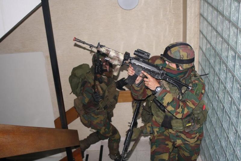 Armée Belge / Defensie van België / Belgian Army  - Page 37 856