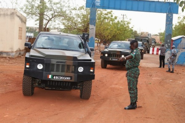 Intervention militaire au Mali - Opération Serval - Page 6 9123
