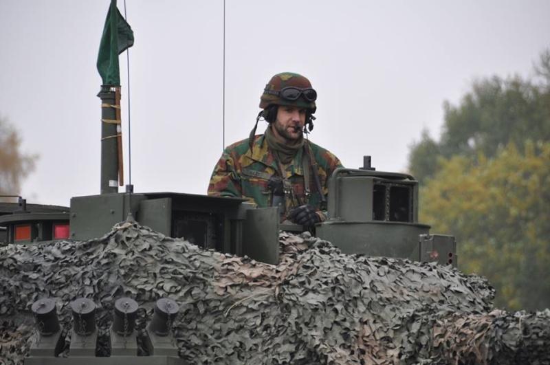 Armée Belge / Defensie van België / Belgian Army  - Page 38 9203