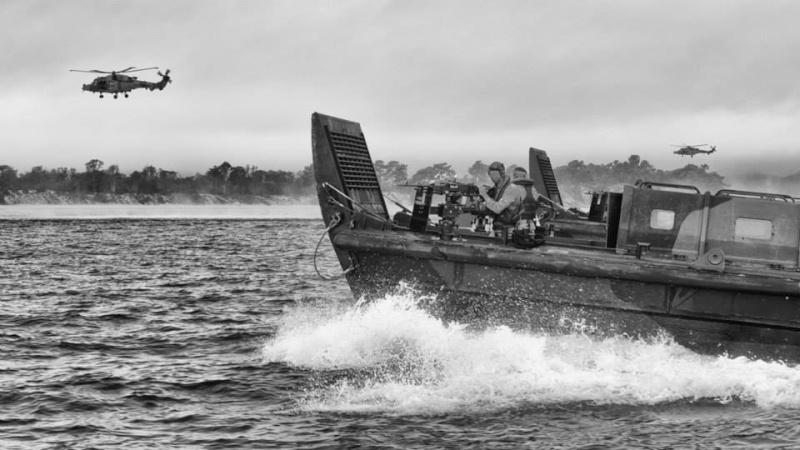 Barge de débarquement 9255
