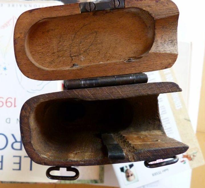 Les étuis cuir et autres pour les P 08 d'artillerie 1913-1946. Crosse14