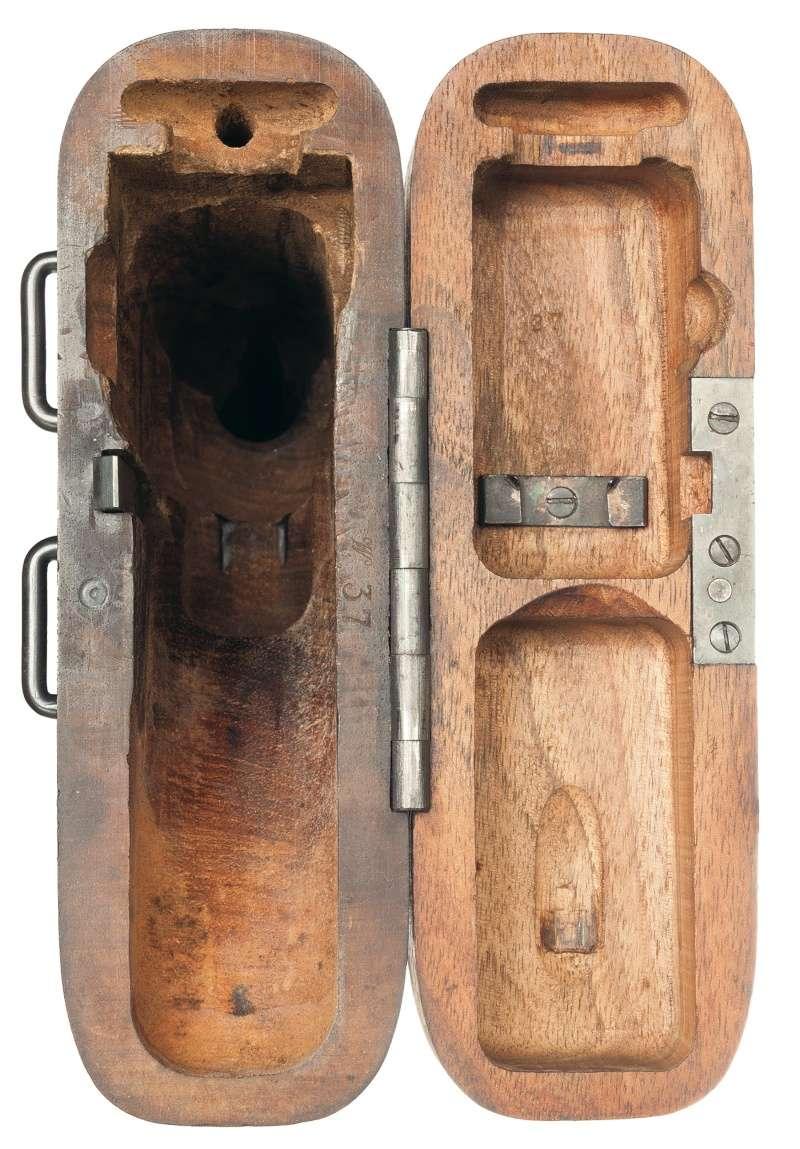 Les étuis cuir et autres pour les P 08 d'artillerie 1913-1946. Etui-c12