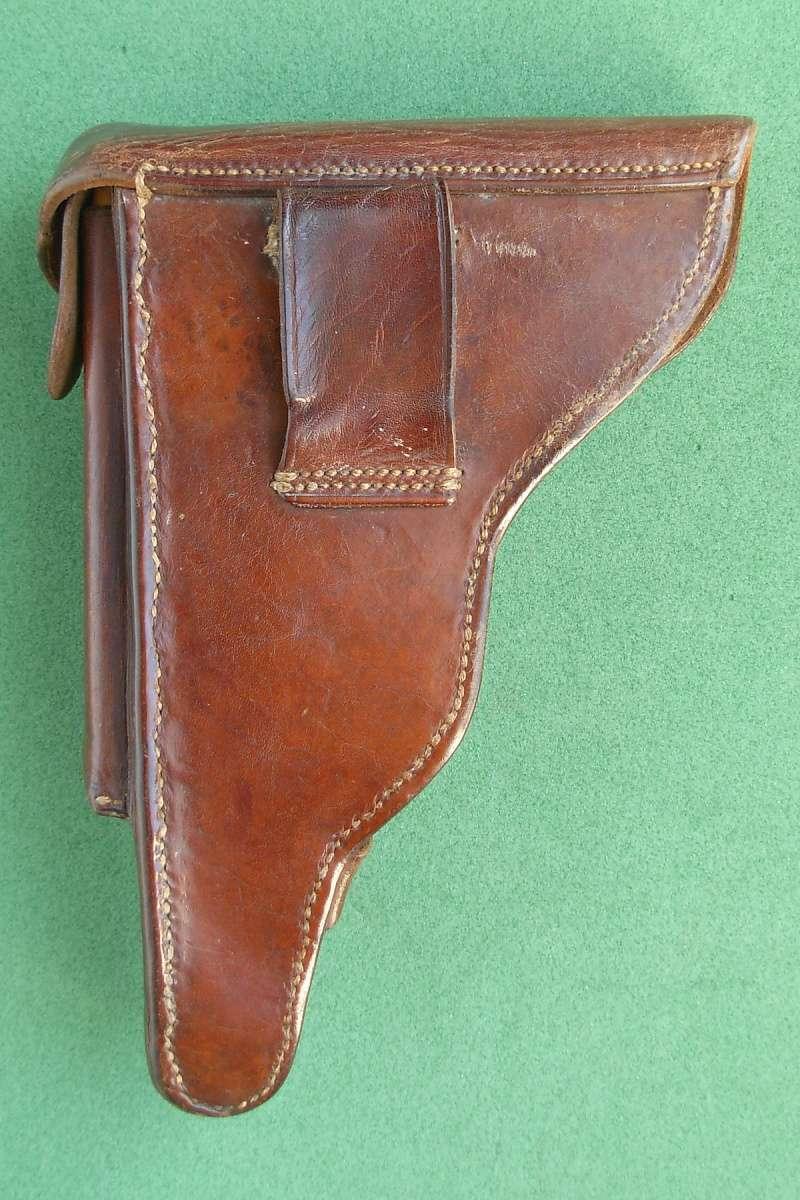 Les étuis en cuir pour les Luger bulgares 1900, 1906, 1908 et byf 42. Holste32