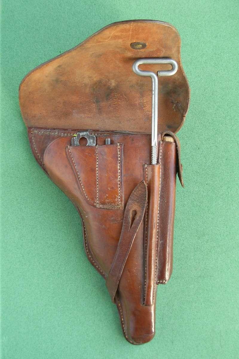 Les étuis en cuir pour les Luger bulgares 1900, 1906, 1908 et byf 42. Holste33