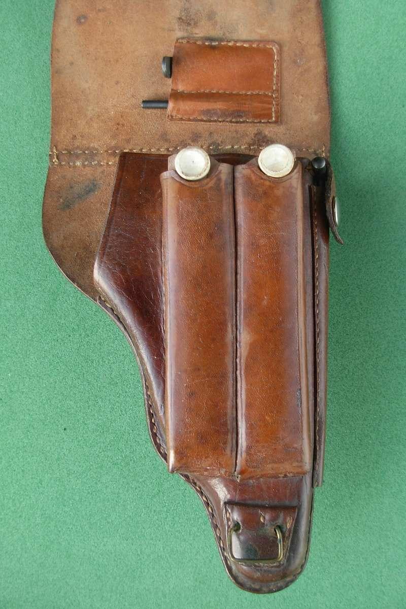 Les étuis en cuir pour les Luger bulgares 1900, 1906, 1908 et byf 42. Holste36