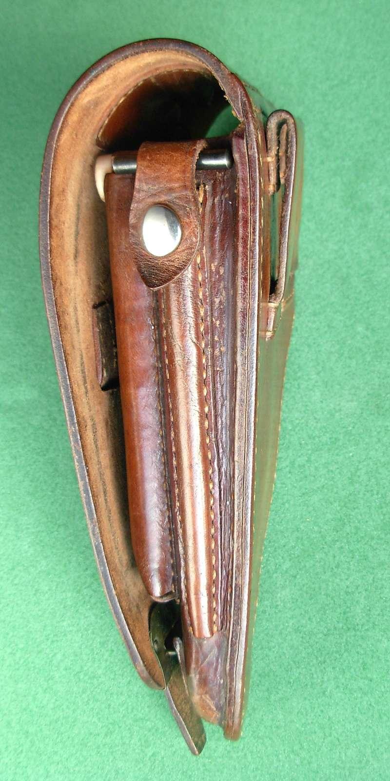 Les étuis en cuir pour les Luger bulgares 1900, 1906, 1908 et byf 42. Holste37