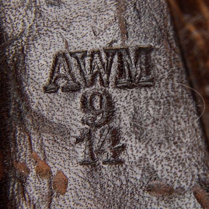 Les étuis cuir et autres pour les P 08 d'artillerie 1913-1946. Holste43