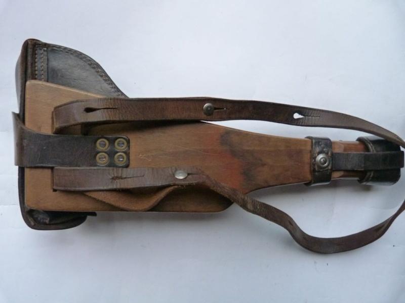 Les étuis cuir et autres pour les P 08 d'artillerie 1913-1946. Holste51