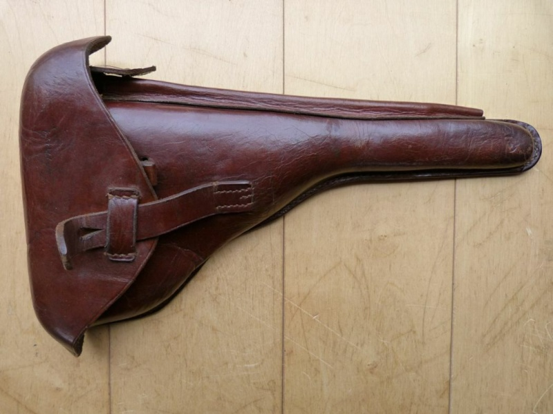 Les étuis cuir et autres pour les P 08 d'artillerie 1913-1946. Holste52