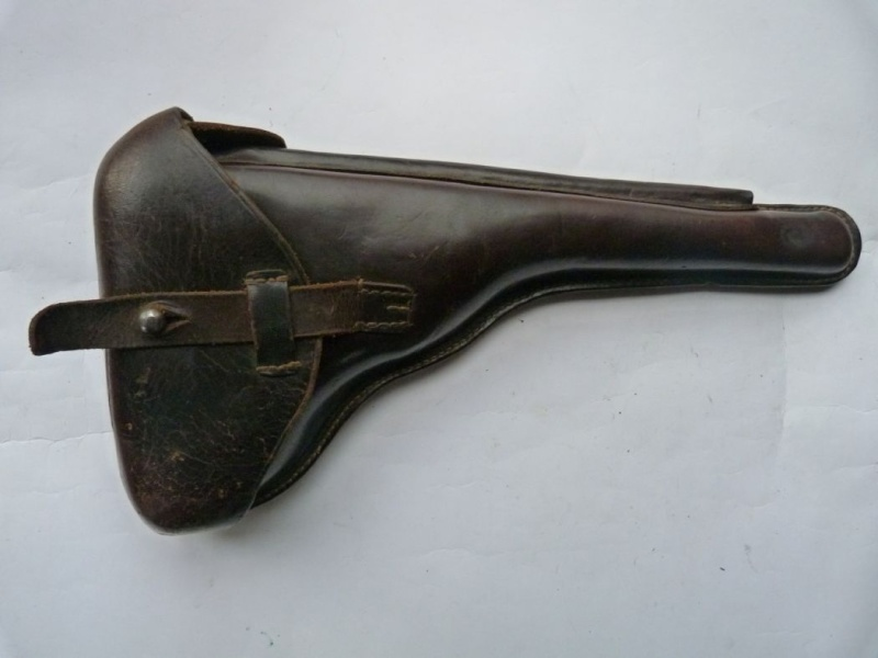 Les étuis cuir et autres pour les P 08 d'artillerie 1913-1946. Holste55