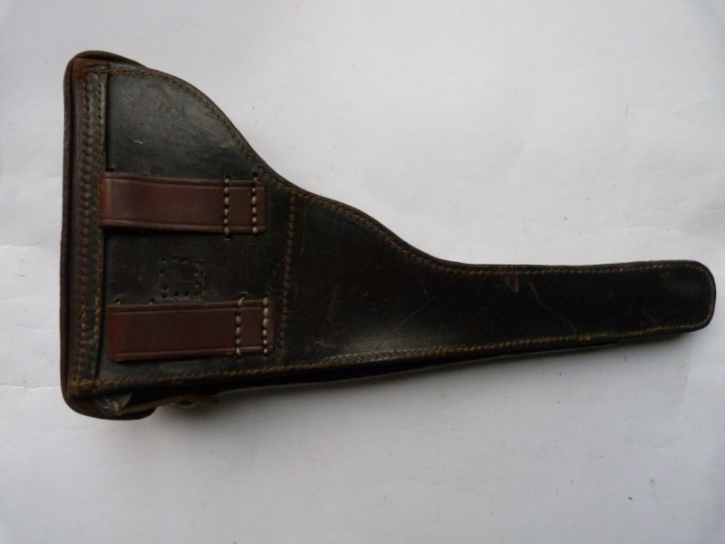 Les étuis cuir et autres pour les P 08 d'artillerie 1913-1946. Holste56