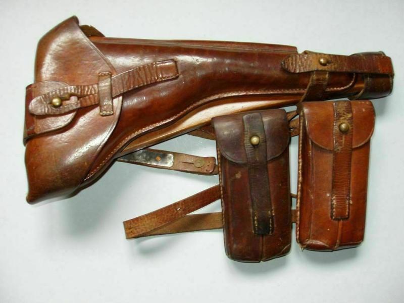 Les étuis cuir et autres pour les P 08 d'artillerie 1913-1946. Holste57