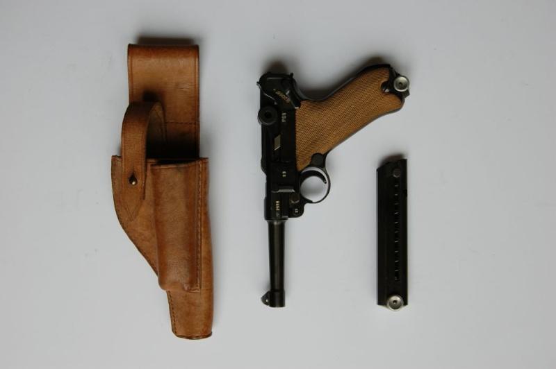 Les étuis cuir et autres pour les P 08 d'artillerie 1913-1946. Mauser23