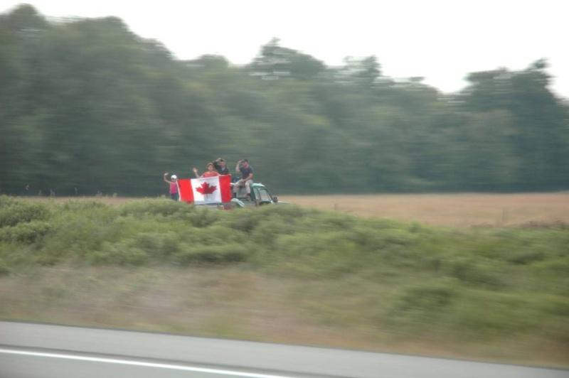 VIVE LE CANADA ! 2111