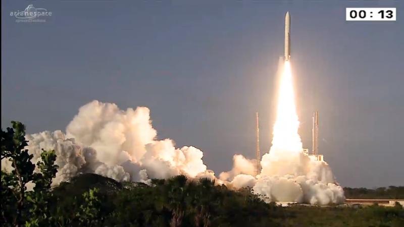 Lancement Ariane 5 ECA VA226 / ARSAT-2 + Sky Muster - 30 septembre 2015 - Page 2 Ariane10