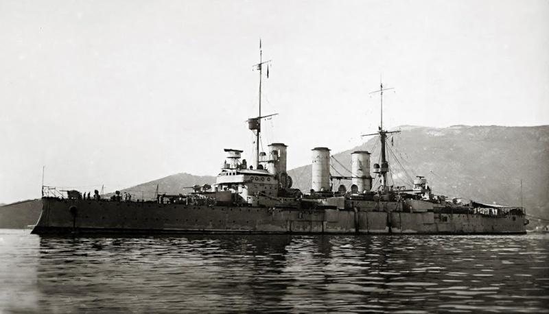 Croiseurs italiens Pisa_210