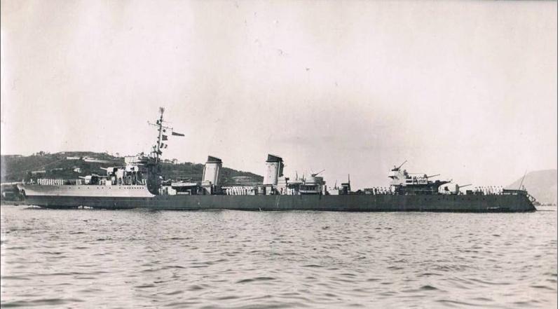 Les contre-torpilleurs français Tigre_11