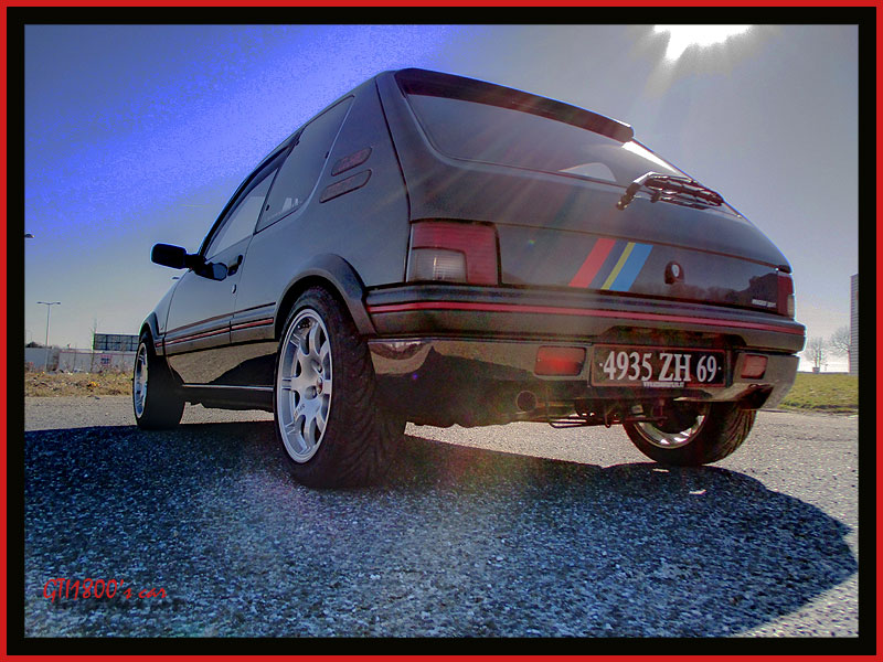 [GTI1800] 205 GTI 1L9 Gris Graphite AM92  - Page 5 29110