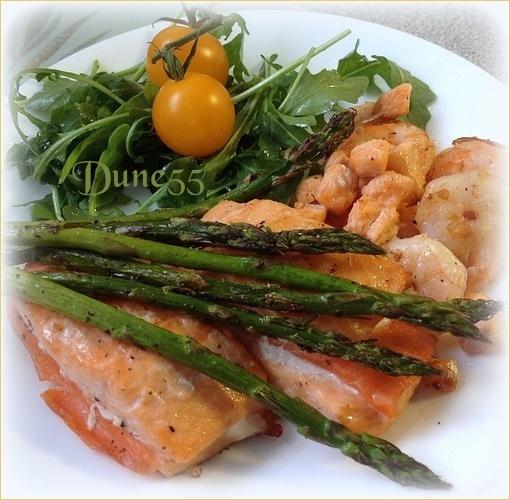 Duo de saumon, sauce aux poireaux X1hcvn10