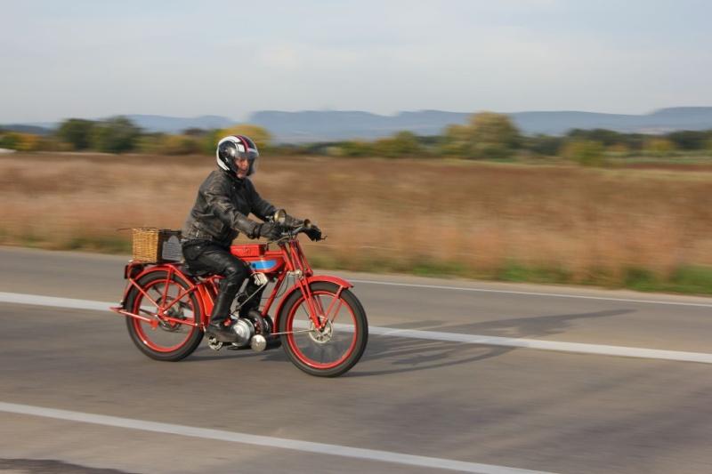 42 éme rencontre annuel de motocyclettes anciennes à sommieres (30) Img_8716