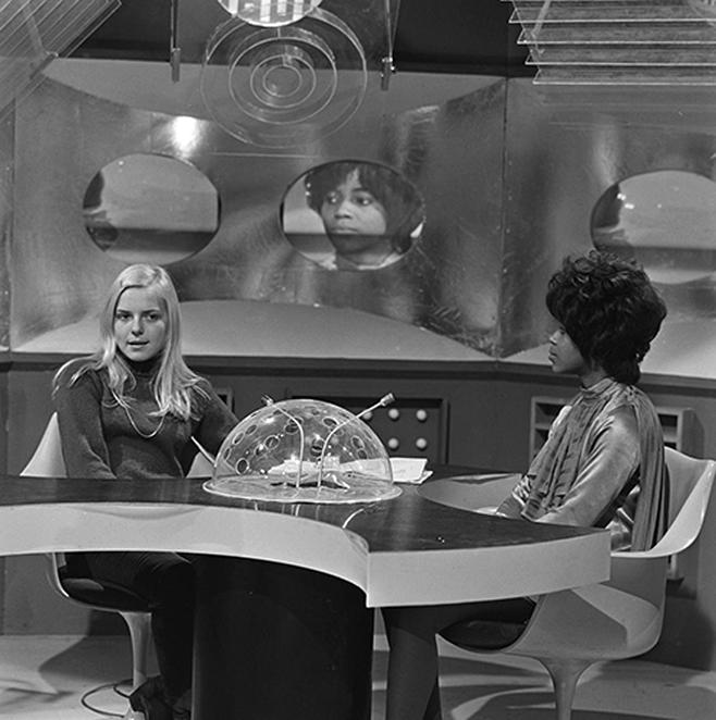 Partage de photos - Page 22 1968_f10