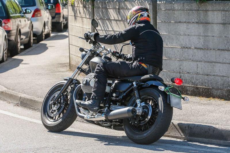 Moto Guzzi V9 Moto_g13