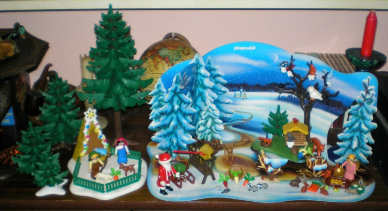 Weihnachtswelt mit PLAYMOBIL-Figuren und -Zubehör 001a1_11